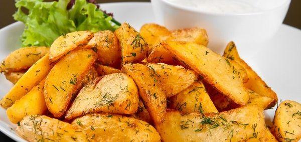 Картопля запечена в духовці